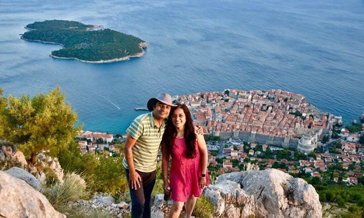 The best time to take the cable car up to the hill top is after an early dinner and before sunset. The island of Lokrum, Dubrovnik, boats and many other islands look beautiful in the evening.