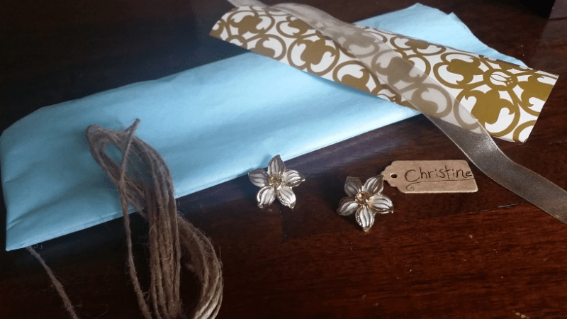 Feel Beautiful White Lily Earrings Packaging Contents 2