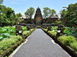 Pura Taman Saraswati temple Ubud Bali