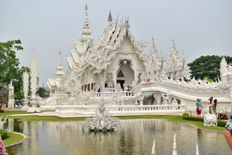 Things to do in Chiang Rai: Wat Rong Khun (White Temple)
