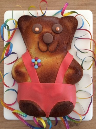 Old Bear Birthday Cake - Story Snug