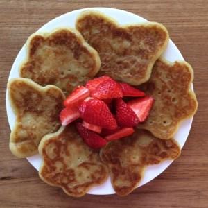 Mango and Bambang gluten free, vegan banana pancakes - Story Snug