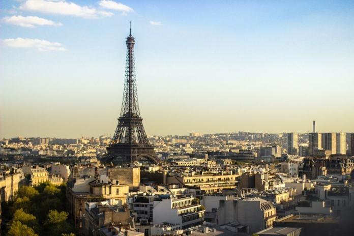Eiffel Tower - Paris travel tips