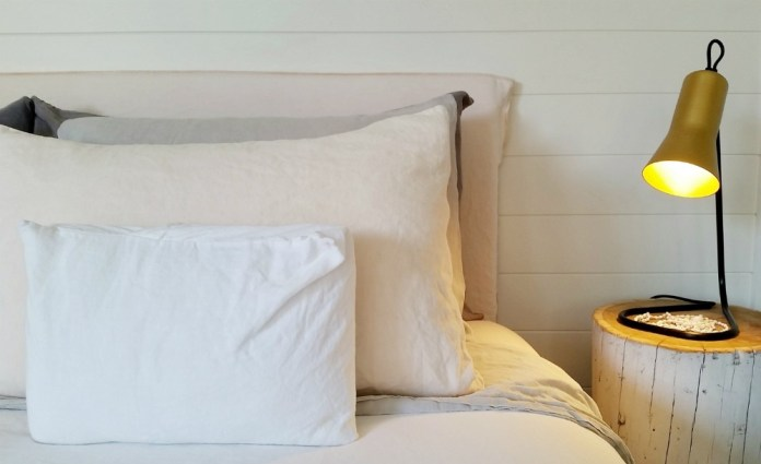 Boutique Byron Bay Accommodation: 28 Degrees Byron Bay Review - Bed