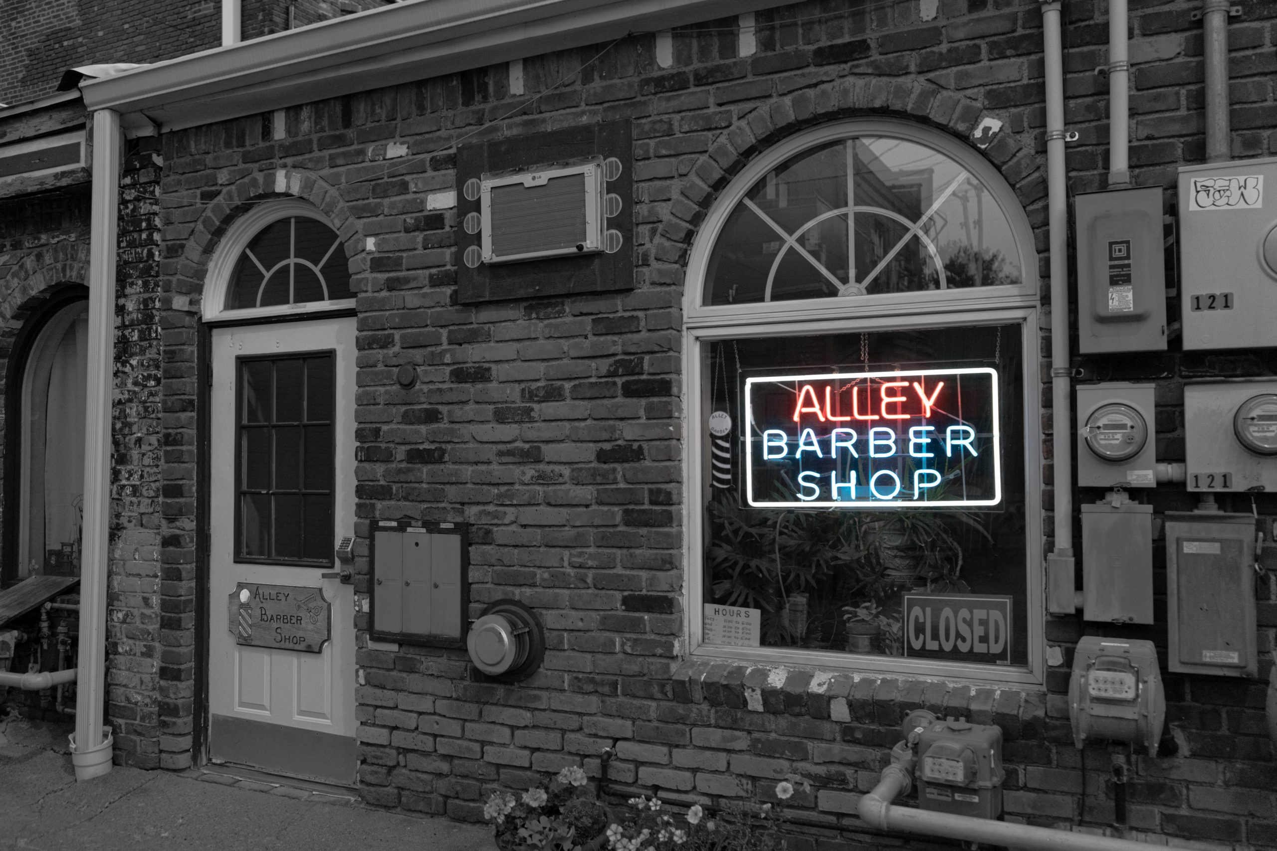 The Alley Barber Shop in Holly