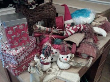 Ideas on how to decorate a Christmas mantle using your own decor items