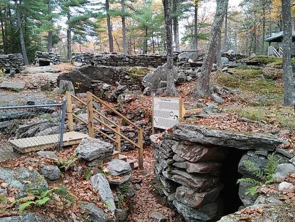 americas-stonehenge-new-hampshire-stowandtellu.com