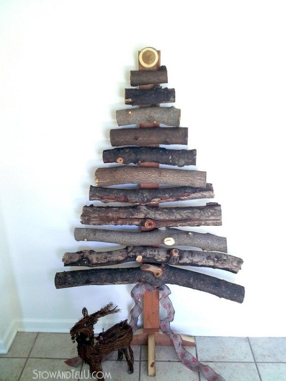 How to make a rustic Christmas tree with branches or logs from Stow and Tell U.com