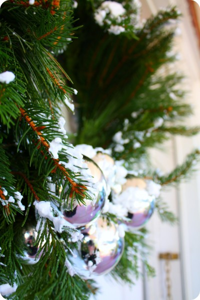 Make Faux Snow with Soap -from Craft Thyme
