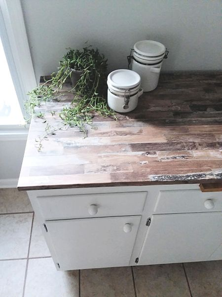 Rustic Wood Look Counter Top made from Removable Wallapepr