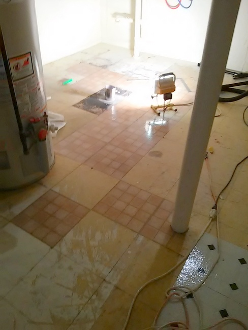 No slip painted vinyl floor for Painting vinyl floor tile