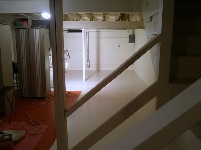 primed-basement-floor-http://www.stowandtellu.com