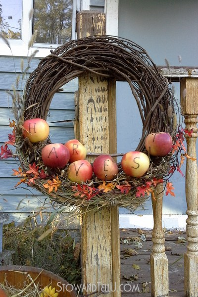 branch-apple-shlef-wreath