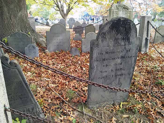 Graveyard in Salem Massachusetts | stowandtellu