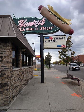 Henry's Drive-In Marquis - Route 66 Chicago - StowAndTellU.com