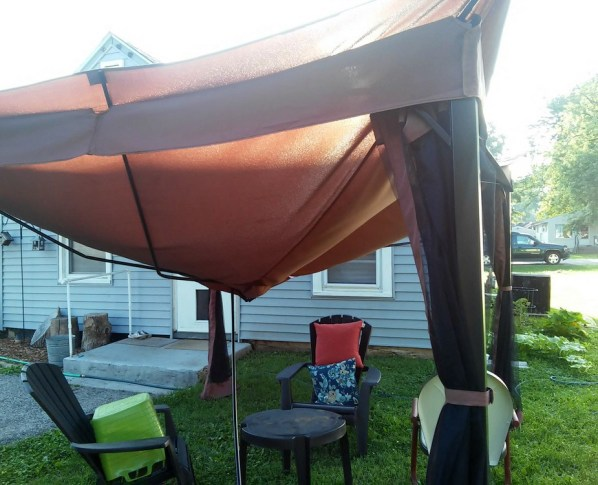 My gazebo tent collapsed - why you want to spend more - StowandTellU.com