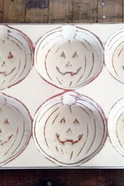 Distress Painted Pumpkin Baking Tins