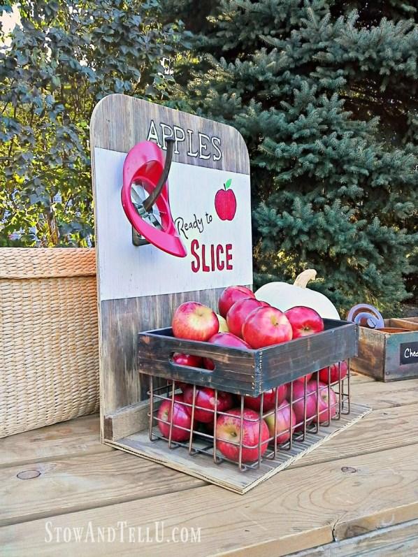 diy-apple-slice-wooden-crate-sign   stowandtellu