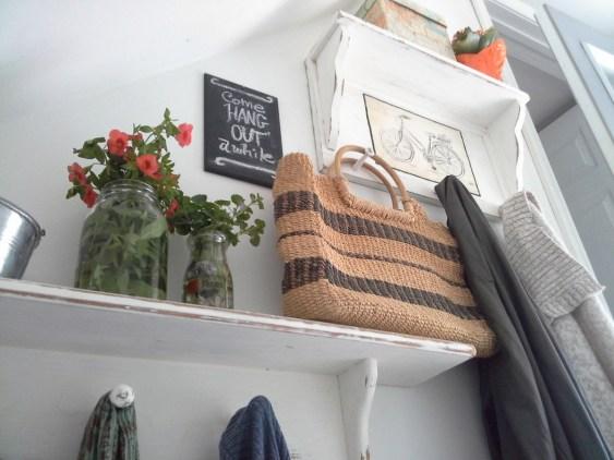 mini-makeover-white-painted-shelves-stairwell