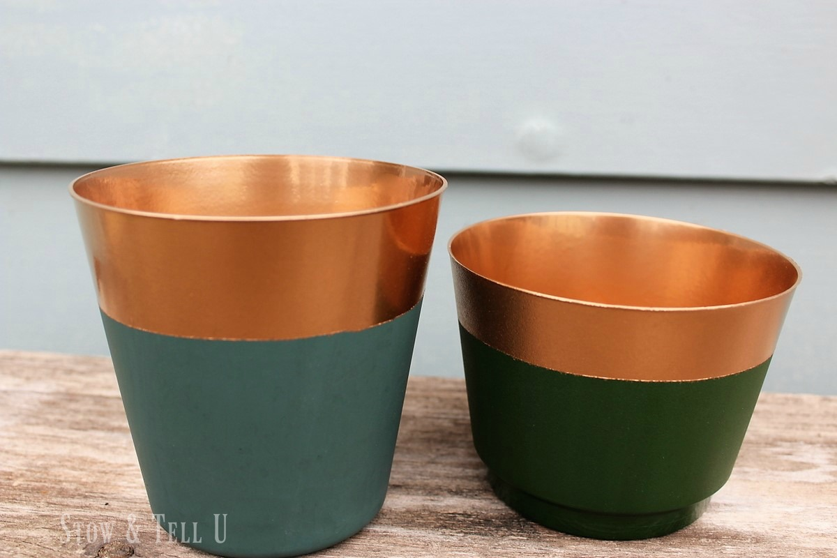 Copper foil spray paint dipped plastic planters | stowandtellu.com & Foolishly Real Looking Copper Paint Dipped Planters