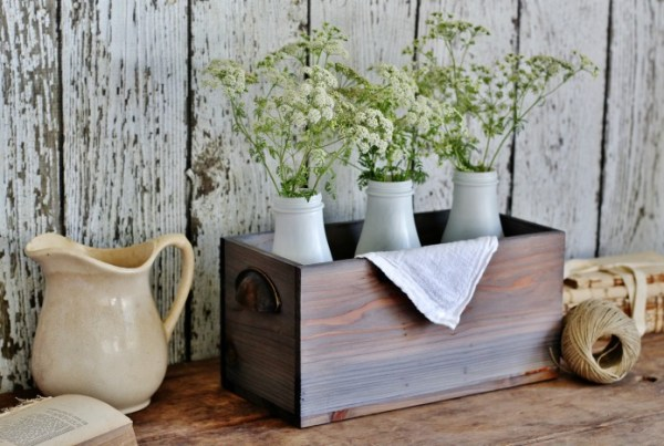 Farmhouse faux weathered barn wood stain | Knick of Time | 10 faux wood aging techniques | Stowandtellu