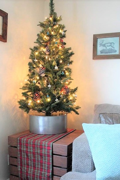 Faux galvanized bucket diy Christmas tree collar   Upcycled hat box tree stand   stowandtellu.com