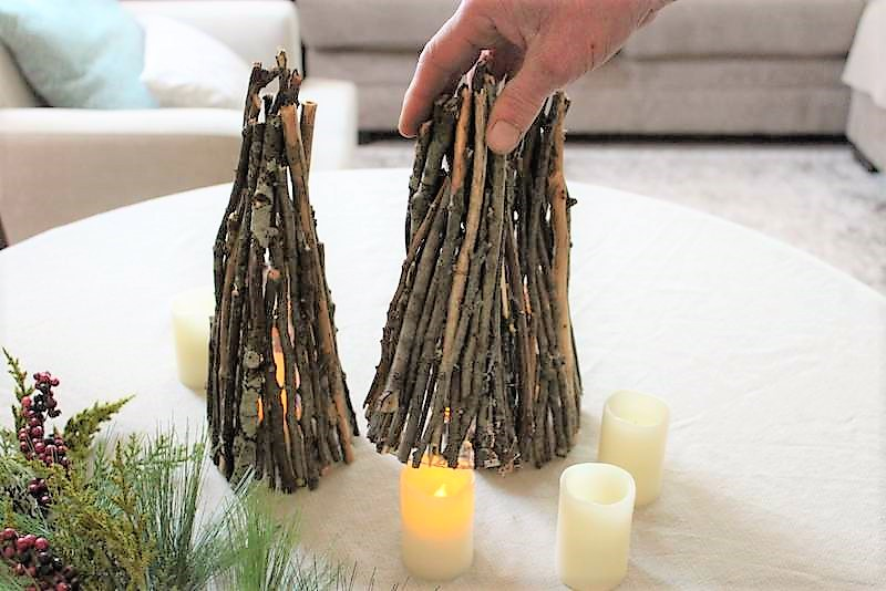Lighted Christmas tree decor with twigs | stowandtellu.com