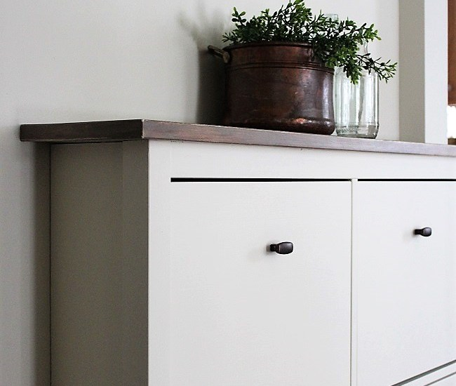 IKEA Shoe Cabinet Hack as Faux Built-in Hallway Storage | stowandtellu