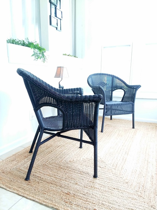 Resin wicker chairs spray painted black | How to paint resin wicker |  stowandtellu.com - How To Spray Paint Resin Wicker Chairs, If You Dare!! Stow&TellU