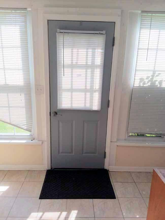 Steel grade grid door   Exterior view Before