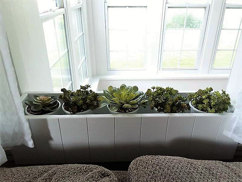 Potted faux succulents indoor planter box | Using diy gravel glue for potting plants | stowandtellu.com