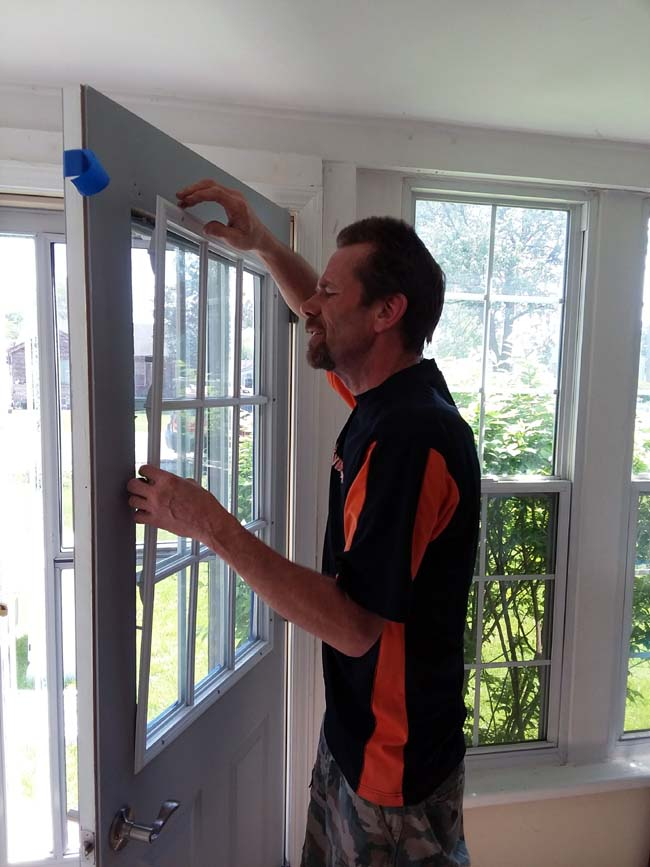 Removing Window Grid   10 Tips to Painting Grid Doors and Frosting the Glass Windows