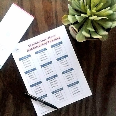 One Hour Weekly Decluttering Tracker FREE Printable