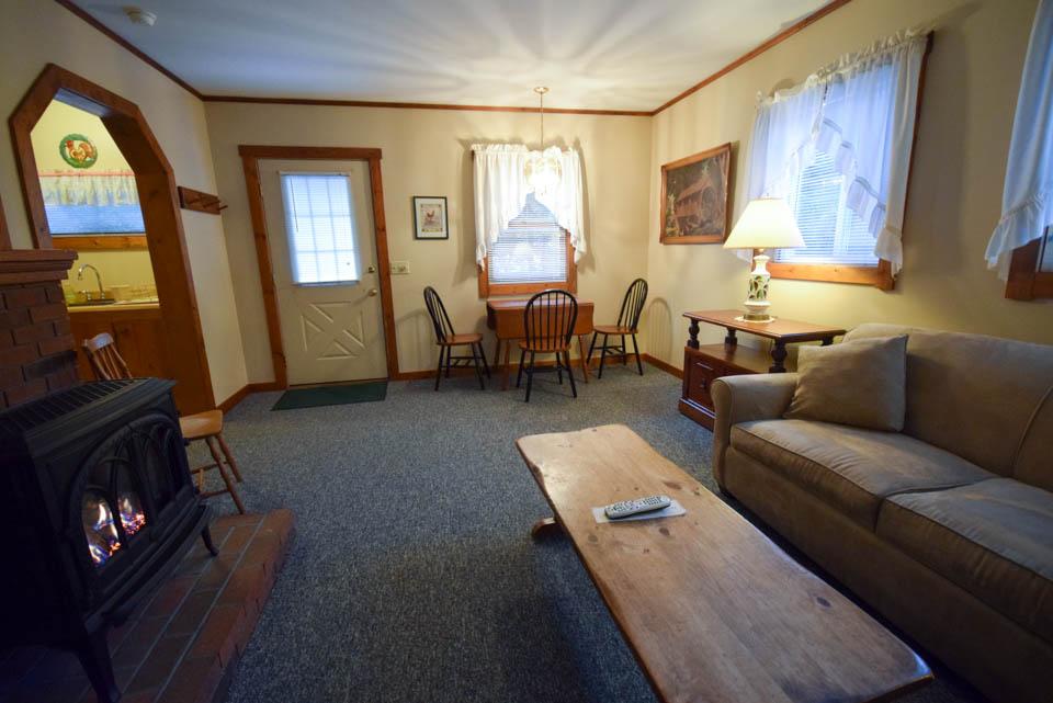 Stowe Cabins livingroom