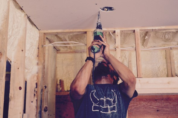 Using a drywall gun
