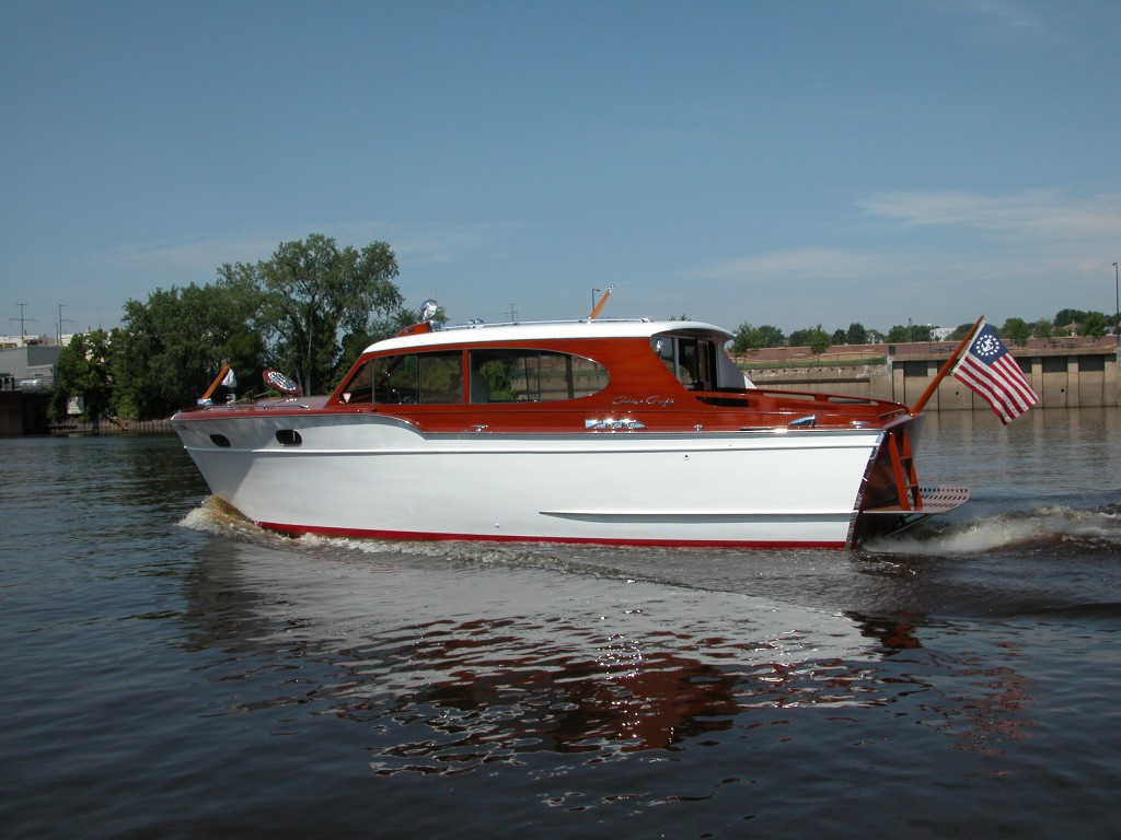 1954 31 Chris Craft Sedan Cruiser 89000 St Paul