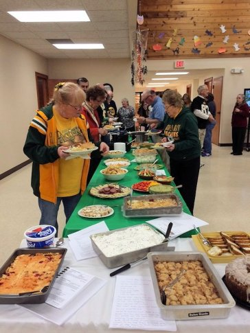Packer fans get their food