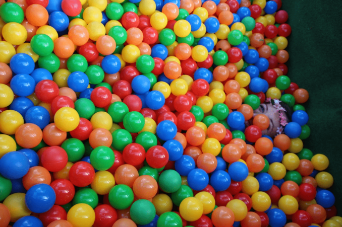 a picture of a ball pit