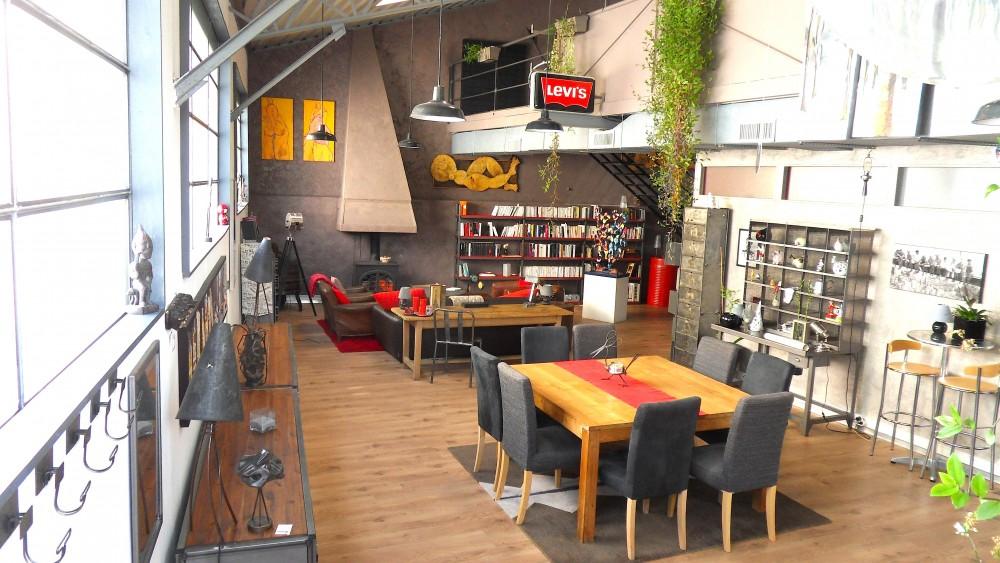 loft new yorkais niort en vente st pierre immobilier niort. Black Bedroom Furniture Sets. Home Design Ideas