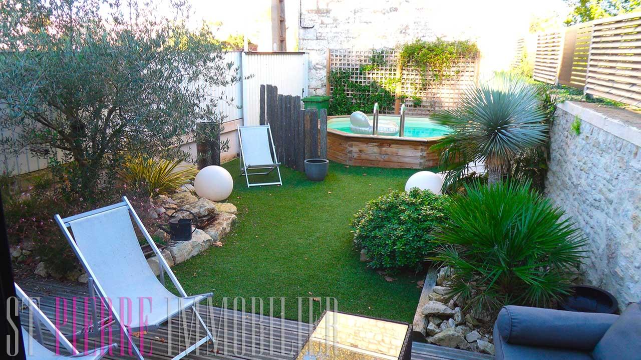Vente jolie maison de ville niort avec 4 chambres for Jardin 100m2 avec piscine