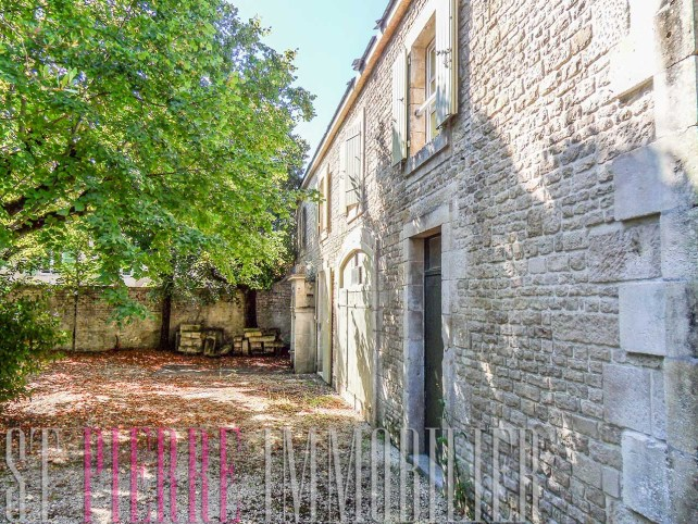 vente longere rue de ribray niort maison