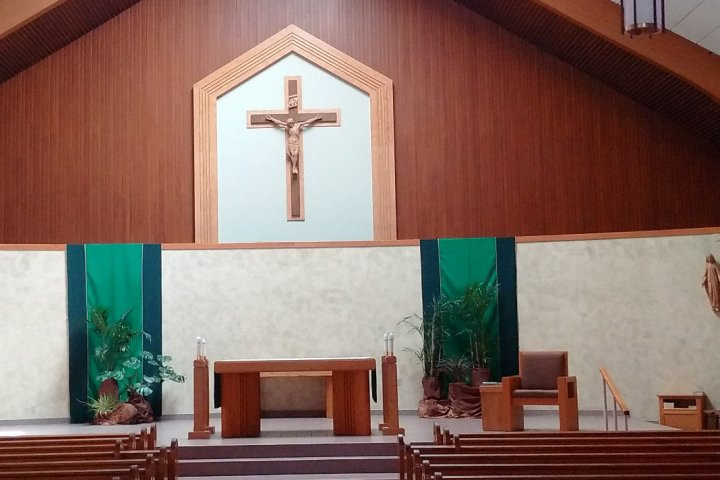 picture of empty st pius sanctuary