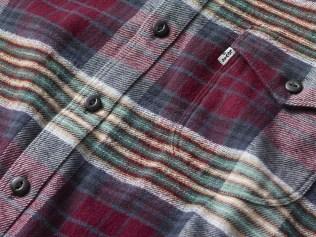 Levi_Shirt_Plaid_Detail_FabricCloseUp_RGB