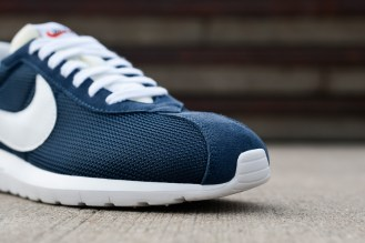 nike-fragment-design-roshe-ltd-1000-02-1920x1280