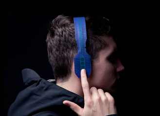 roll-to-roll-headphones-maxime-loiseau-wanted-design-designboom-03