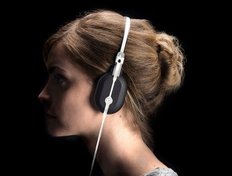 roll-to-roll-headphones-maxime-loiseau-wanted-design-designboom-05
