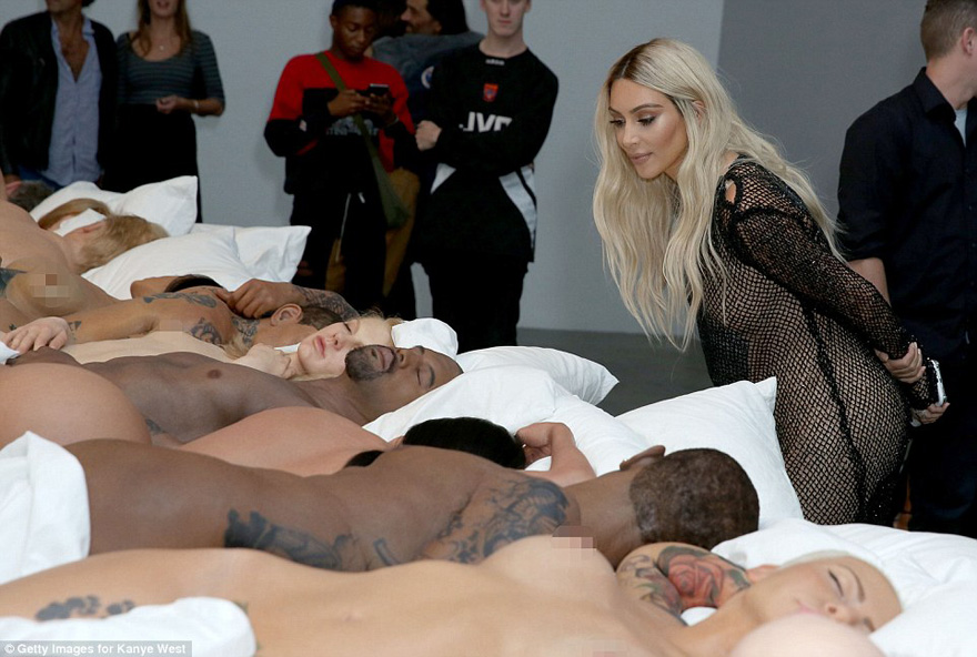 kim-kardashian-kanye-west-art-exhibition-1
