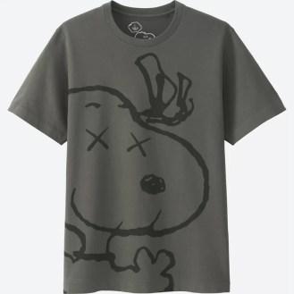 """Uniqlo """"UT"""" KAWS x Peanuts Adult T-Shirt"""