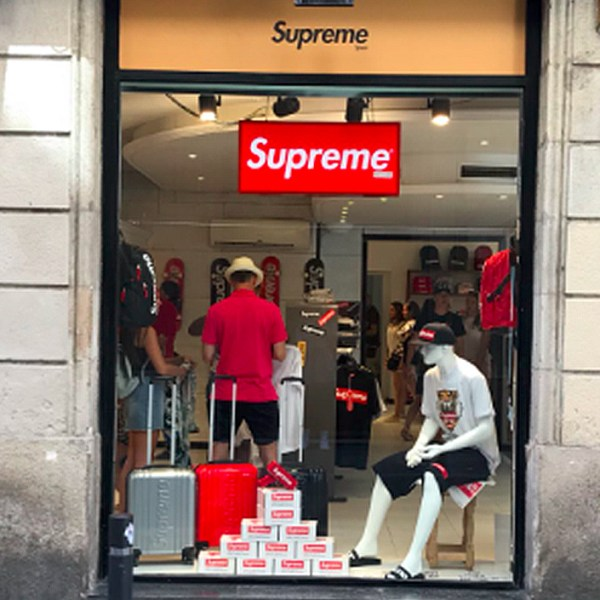 Supreme Spain? Nope, just another case of a fake Supreme store