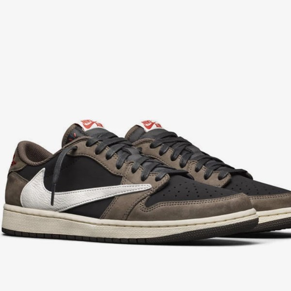 Travis Scott is back at it again: New Air Jordan 1 Low sold out!